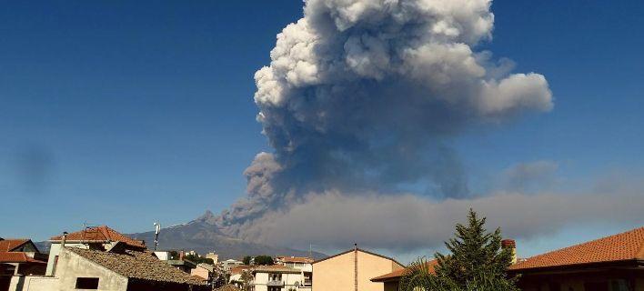 Έγινε έκρηξη στο ηφαίστειο της Αίτνας – Εκλεισε το αεροδρόμιο