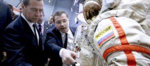 «Γκάζια» Μεντβέντεφ στη Roskosmos: «Σταματήστε να μιλάτε, κάντε δουλειά»