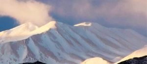 Κρήτη: Η αφρικανική σκόνη «έβαψε»... πορτοκαλί τα Λευκά Όρη