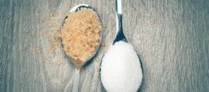 Λευκή ή καστανή ζάχαρη; Δείτε ποια είναι τελικά πιο υγιεινή