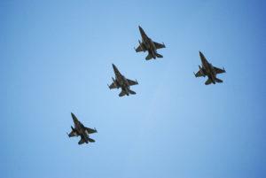 «Ξεσάλωσαν» οι Τούρκοι στο Αιγαίο ανήμερα της εθνικής επετείου: 47 παραβιάσεις από 8 μαχητικά