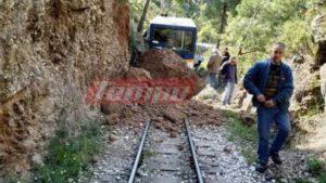 Διακοπτό – Καλάβρυτα: Κλειστή η σιδηροδρομική γραμμή – Εικόνες καταστροφής από την κατολίσθηση