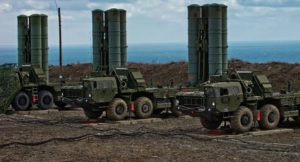 Τσαβούσογλου: Θα αγοράσουμε και άλλους S-400 από τη Ρωσία