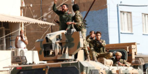 """Η Τουρκία ετοιμάζεται να στείλει Σύρους αντάρτες για """"στρατιωτική υποστήριξη"""" στη Λιβύη"""