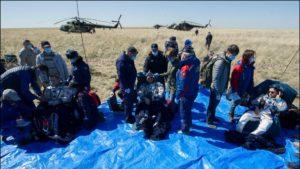 Αστροναύτες προσγειώνονται στη Γη εν μέσω πανδημίας