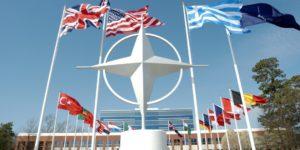 Κόντρα Δένδια με Τσαβούσογλου στο ΝΑΤΟ – Σενάρια εμπλοκής της συμμαχίας στο μεταναστευτικό λόγω κορονοϊού