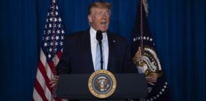 Ντόναλντ Τραμπ: Υπογράφει εκτελεστική εντολή για να βάλει «λουκέτο» στα social media