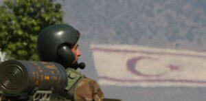 Ισόβια σύνταξη 200 ευρώ σε όσους υπηρέτησαν στη Ζώνη Πρόσω στην Κύπρο