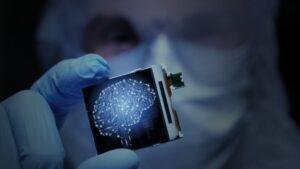Κορωνοϊός: Αμερικανοί ερευνητές σχεδιάζουν εμφυτεύσιμο βιοτσίπ που θα ανιχνεύει τον ιό