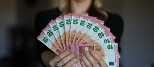 «Τέλος» τα μετρητά στις συναλλαγές - Έρχεται το ψηφιακό ευρώ