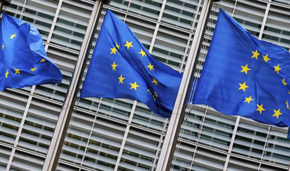 Κορωνοϊός-Ευρωπαίος αξιωματούχος: Δεν θα φτάσουν για όλους τα εμβόλια