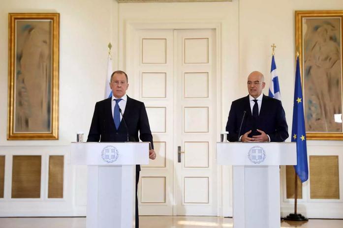 Δένδιας σε Λαβρόφ: Η Ελλάδα έτοιμη για όλα – Γραφείο ταξιδίων για τζιχαντιστές η Τουρκία