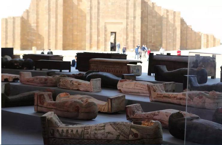 Αίγυπτος: Aνακαλύφθηκαν 100 άθικτες σαρκοφάγοι στην Νεκρόπολη της Σακκάρα
