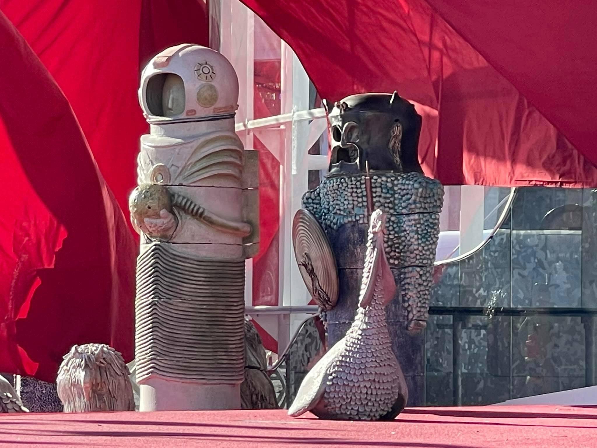 Η φάτνη του Βατικανού έχει αστροναύτη και φιγούρα που θυμίζει τον Darth Vader