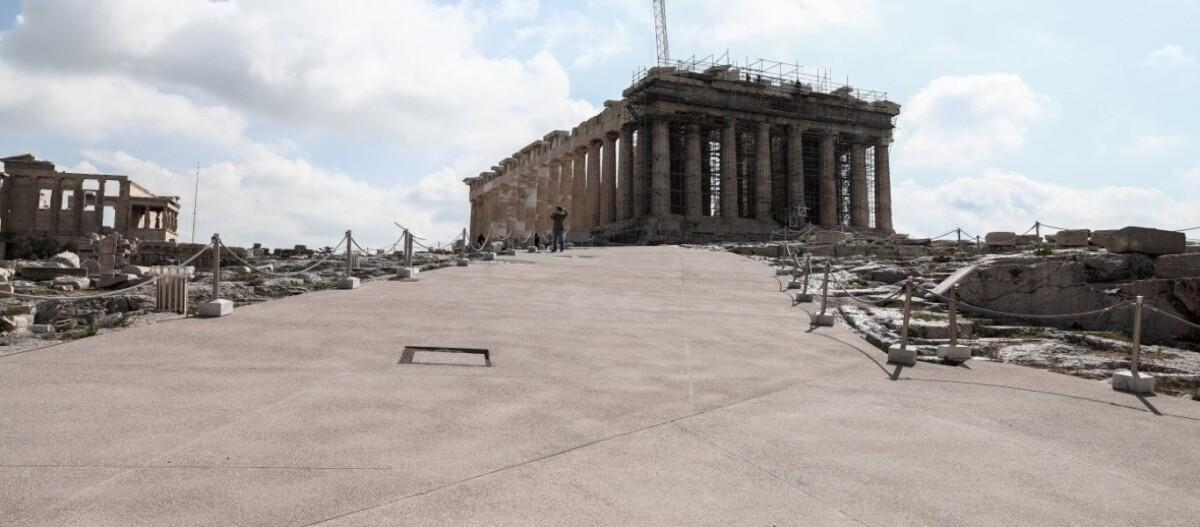 Τσιμενταρισμένη η Ακρόπολη και οι αποκαλύψεις αρχαιολόγων: «Αν είχε λίγο θάλασσα θα βάζαμε και δέστρες»