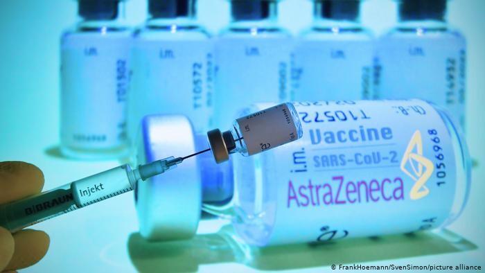 Σάλος στην Βρετανία για το AstraZeneca – 41 νέα συμβάντα θρομβώσεων μετά τους εμβολιασμούς