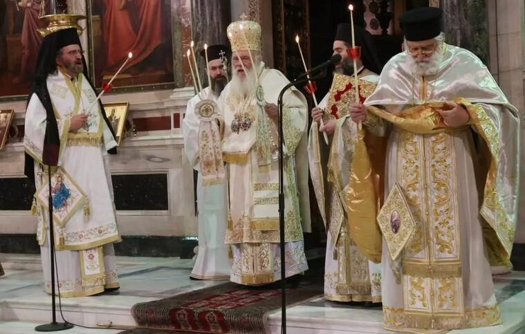 Ανάσταση στις 21:00 και στο προαύλιο – Ανοιχτές οι εκκλησίες τη Μεγάλη Εβδομάδα