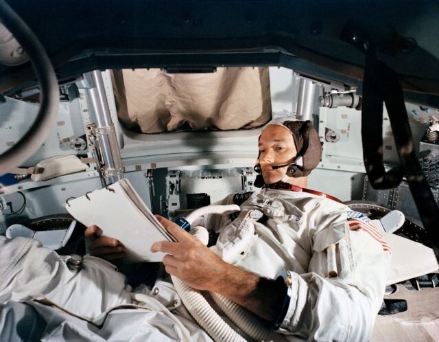 Μάικλ Κόλινς: Πέθανε ο αστροναύτης – Ήταν μέλος του Apollo 11