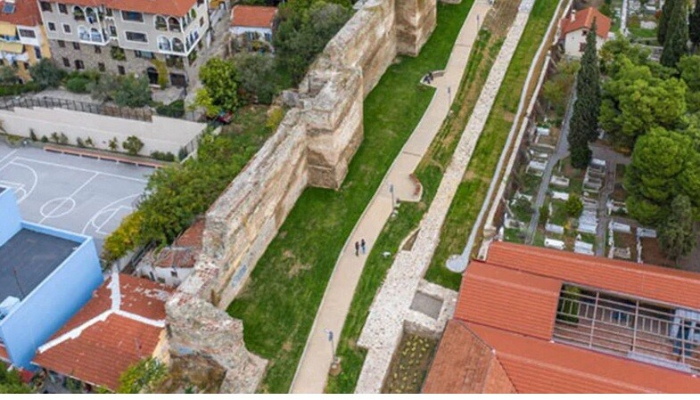 Αρχαιολογική ανακάλυψη: Βρεφικό νεκροταφείο στα τείχη της Θεσσαλονίκης