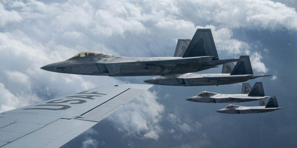 F-22: «Μυστήριο» με scramble των stealth μαχητικών για άγνωστο «στόχο» . ΠΙΘΑΝΗ ΕΜΠΛΟΚΗ ΜΕ ΚΙΝΕΖΙΚΑ  Η ΡΩΣΙΚΑ ΒΟΜΒΑΡΔΙΣΤΙΚΑ