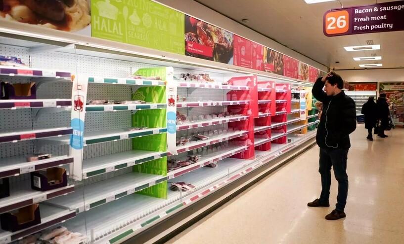 Χάος στην Βρετανία! Άδεια ράφια στα σούπερ μάρκετ και έκκληση να παρέμβει ακόμα και ο στρατός