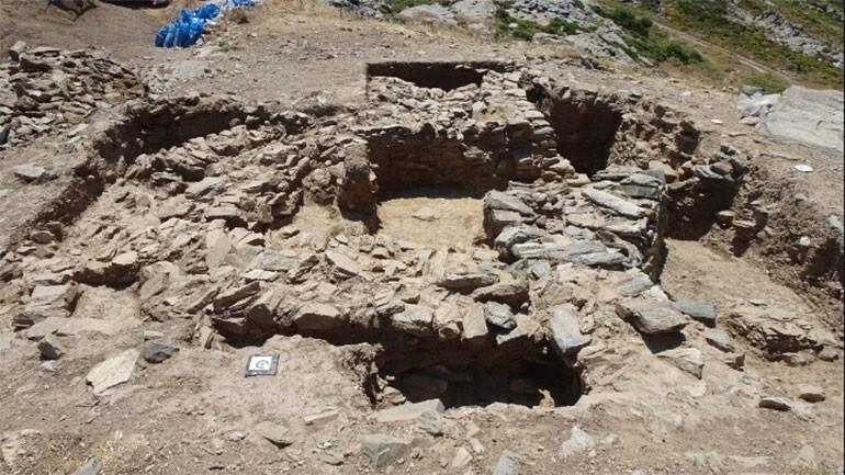 Σημαντικά προϊστορικά ευρήματα ανακάλυψαν οι αρχαιολόγοι στο Γκουριμάδι Καρύστου