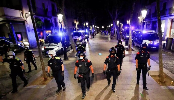 Ισπανία – Κορονοϊός: Παρατείνεται η απαγόρευση κυκλοφορίας σε Βαρκελώνη και Καταλονία