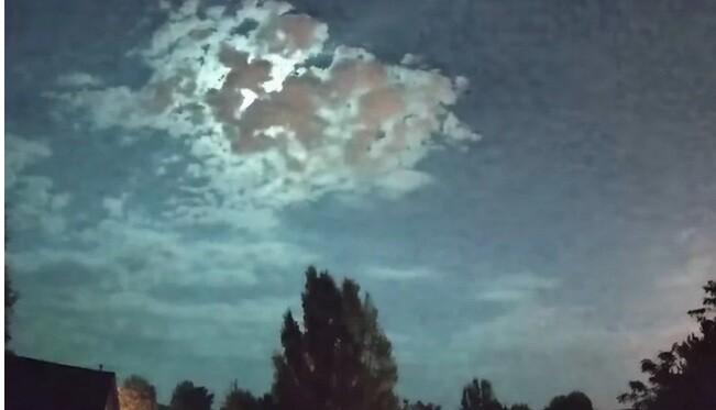 Εντυπωσιακά πλάνα στο Αϊντάχο με τη νύχτα να γίνεται μέρα από μετεωρίτη που «άναψε» τον ουρανό