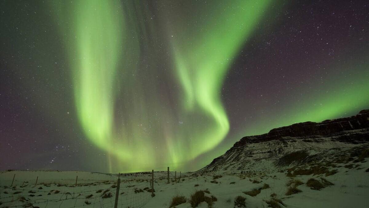 Λύθηκε το μυστήριο για την προέλευση του φωτός που εκπέμπει το Βόρειο Σέλας