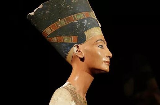Η μούμια της Βασίλισσας Νεφερτίτης ίσως έχει ανακαλυφθεί σύμφωνα με Αιγύπτιο αρχαιολόγο