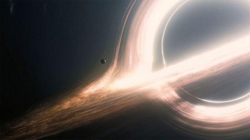 Φοιτητής υπολόγισε με μαθηματικά την παραμόρφωση του σύμπαντος γύρω από τις μαύρες τρύπες